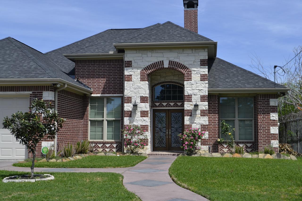 Comment choisir un spécialiste pour suivre la construction de sa maison ?